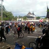 Photo taken at Kantor Gubernur Sumatera Barat by Wiranto E. on 9/13/2014