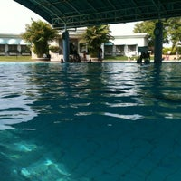 Photo taken at ATLANTIS swimming pool by Johan J. on 10/21/2012