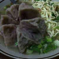 Photo taken at Bakso Setan Jagabaya by windy f. on 12/6/2012