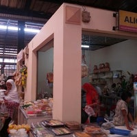 Photo taken at Pasar Modern BSD City by Gabriel H. on 1/5/2013