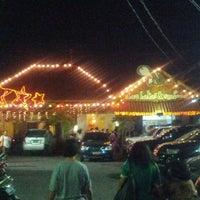 Photo taken at Gama Ikan Bakar dan Seafood by Gabriel H. on 9/22/2012