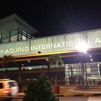 Photo taken at Ninoy Aquino International Airport (MNL) Terminal 1 by Goyting on 4/4/2013