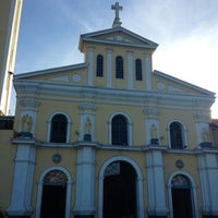Photo taken at Minor Basilica of Our Lady of the Most Holy Rosary of Manaoag by Goyting on 1/6/2013