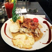 Photo taken at Hash House a Go Go by Julia on 5/15/2013