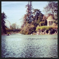 Photo taken at Lac Daumesnil by Charlotte L. on 4/14/2013