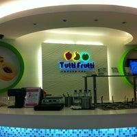 Photo taken at Tutti Frutti by Raymonds M. on 10/15/2012