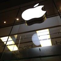 Das Foto wurde bei Apple Rosenstraße von Nick B. am 4/14/2013 aufgenommen
