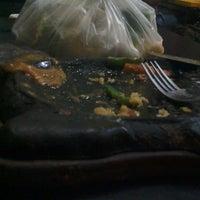 Photo taken at Waroeng Steak & Shake by Laxmie C. on 8/10/2014