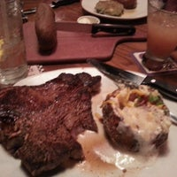 Photo taken at Outback Steakhouse by William L. on 5/28/2013