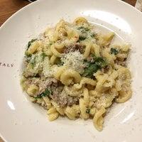 Photo taken at La Pizza & La Pasta @ Eataly by Elsa L. on 1/7/2017