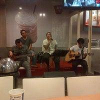 Photo taken at KFC / KFC Coffee by Kris A. on 11/16/2013