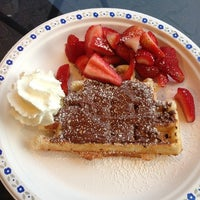 Photo taken at Wanda's Belgian Waffles by hatice irem g. on 6/10/2013