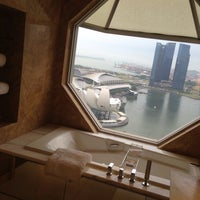Photo taken at The Ritz-Carlton, Millenia Singapore by Naomi H. on 5/24/2013