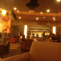 Photo taken at The Coffee Bean & Tea Leaf by Mehul P. on 10/1/2012