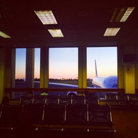 Photo taken at Gate 34 by aiiiii on 9/25/2014