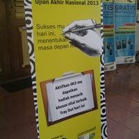 Photo taken at SMA Negeri 6 Surabaya by mirna i. on 3/3/2013