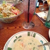 Photo taken at Olive Garden by Super M. on 7/19/2014