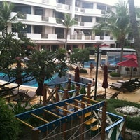 Photo taken at Imperial Hua Hin Beach Resort by Aomam on 9/15/2012
