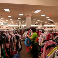Photo taken at Nordstrom Rack Springbrook Prairie Pavilion by Eunsung J. on 10/2/2013