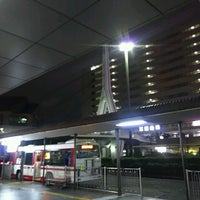 Photo taken at 京阪守口市駅 バスターミナル by ei2ei2_feather on 11/8/2016
