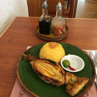 Photo taken at Bacolod Chicken Inasal by Shank M. on 10/1/2016