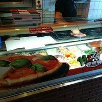 Photo taken at Pizza Dach by bnz on 4/15/2014