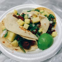 Photo taken at Al Pastor Taco Truck by The Y. on 9/10/2016