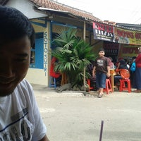 Photo taken at Soto Sutri by Wahied Dablongan N. on 7/29/2014