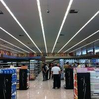 Foto tirada no(a) Cometa Supermercados por Paulo P. em 12/1/2012