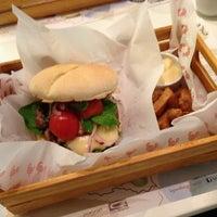 Photo taken at Le Grand Burger by Gabriel B. on 2/15/2013