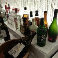 Photo taken at JAL Sakura Lounge - International Terminal by Hiroaki N. on 10/6/2012