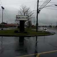 Photo taken at FedEx Office Print & Ship Center by Mia Bella Occhi on 12/23/2013