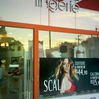 Photo taken at Outlet Lingerie by Eduardo H B. on 2/23/2013