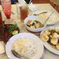 Photo taken at Tasty Resto & Cafe Tahu by Cyntia P. on 7/12/2014