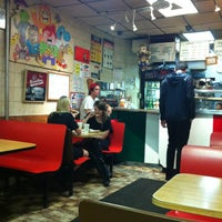 Photo taken at Vinnie's Pizzeria by Clau D. on 8/9/2013