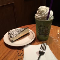 Photo taken at The Coffee Bean & Tea Leaf by Sun-young L. on 6/21/2015