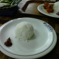 Photo taken at Warung Nasi AMPERA by Jared Surya P. on 12/28/2012
