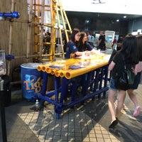 Photo taken at Shun Hei Causeway Bay Centre 順禧銅鑼灣中心 by Wyman L. on 4/28/2016