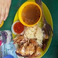 Photo taken at Restoran Teratak Ibunda by Ftnainaqilah H. on 6/10/2015