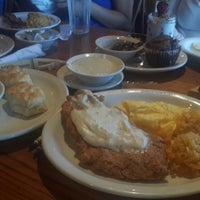Photo taken at Cracker Barrel Old Country Store by Vic M. on 7/1/2014