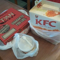 Photo taken at Pizza Hut by Jasica N. on 6/15/2016
