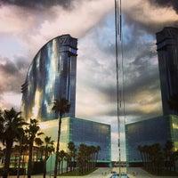 Das Foto wurde bei W Barcelona von Anton Y. am 6/24/2013 aufgenommen
