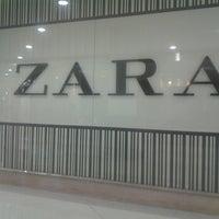 Photo taken at Zara by Fabiano T. on 5/26/2013