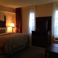 Photo taken at Staybridge Suites Guelph by Myra M. on 4/29/2014