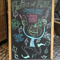 Photo taken at The Coffee Bean & Tea Leaf by John O. on 10/21/2013