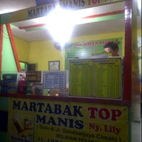 Photo taken at Martabak TOP Ny. Lily by Ria R. on 1/4/2013