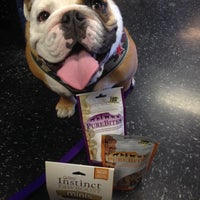 Photo taken at Global Pet Food Outlet by Taneshia C. on 9/22/2013