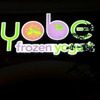 Photo taken at Yobe Frozen Yogurt by Angie W. on 8/21/2016