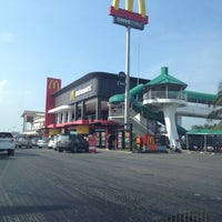 Photo taken at Motorway Service Center - Inbound by Narisara D. on 10/13/2013