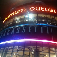Photo taken at Optimum Outlet by Ali B. on 11/20/2012